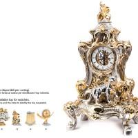 pendolo con pantera in resina argentata e particolari in oro